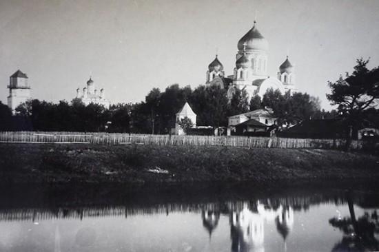 В архиве библиотеки – материалы о Троицком соборе Иверской обители
